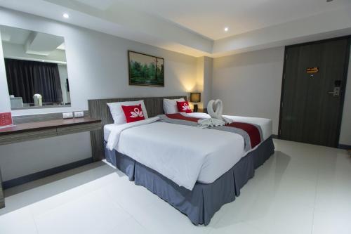 ZEN Rooms Yaowarat soi 7 photo 2