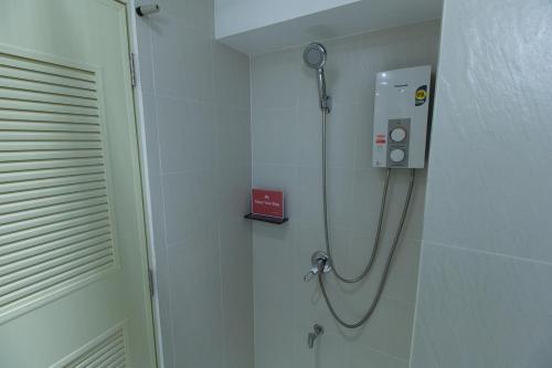 ZEN Rooms Yaowarat soi 7 photo 3
