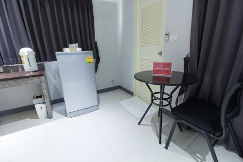 ZEN Rooms Yaowarat soi 7 photo 14