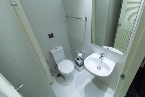 ZEN Rooms Yaowarat soi 7 photo 15