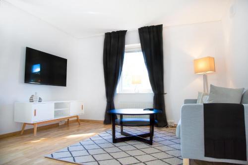 HotelEasy Livin' Apartment Hotel