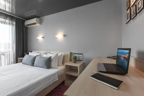 Marins Park Hotel Nizhny Novgorod Улучшенный номер с кроватью размера