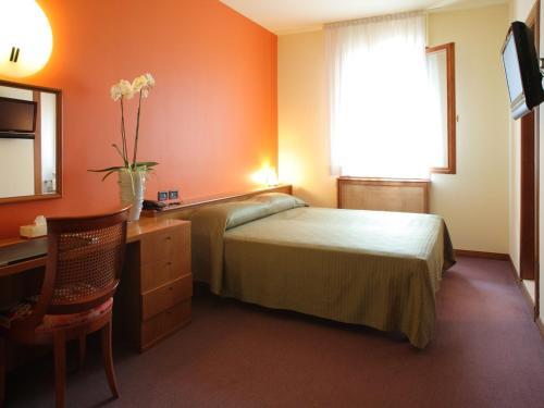 __{offers.Best_flights}__ Hotel Cima
