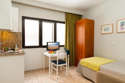 Hotel Apartamento Bajamar 35