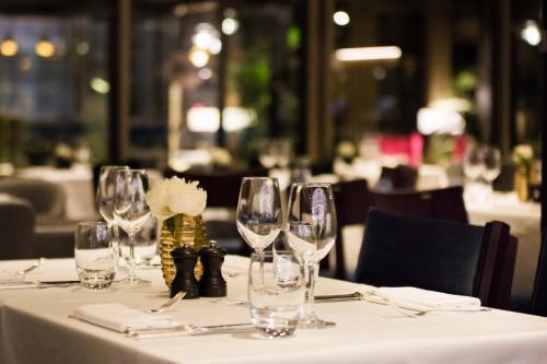 Devonshire Club & Hotel photo 15