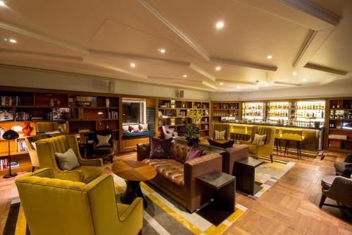 Devonshire Club & Hotel photo 20
