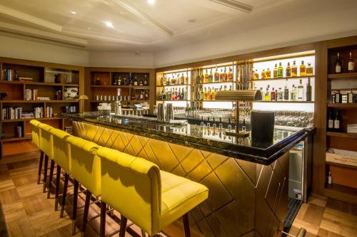 Devonshire Club & Hotel photo 25