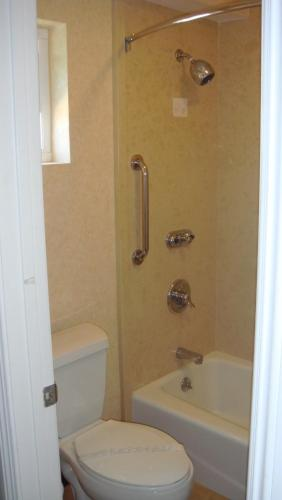 Americas Best Value Inn- Westminster/Huntington Beach - Westminster, CA 92683
