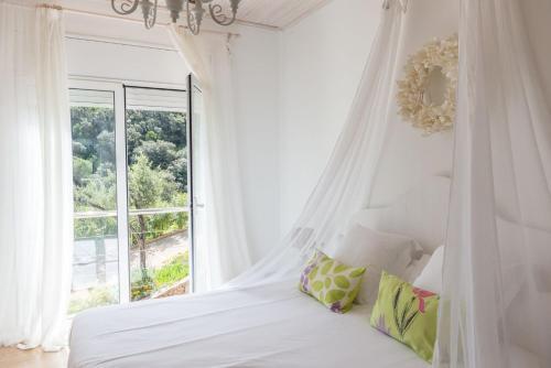 Habitación Doble Deluxe con terraza Es Cel de Begur Hotel 8