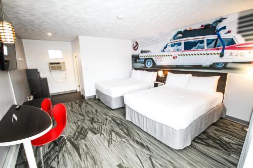 Cadillac Motel Niagara (B&B)