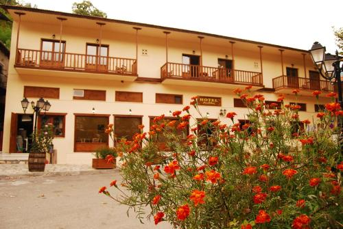 Accommodation in Gerontovrachos