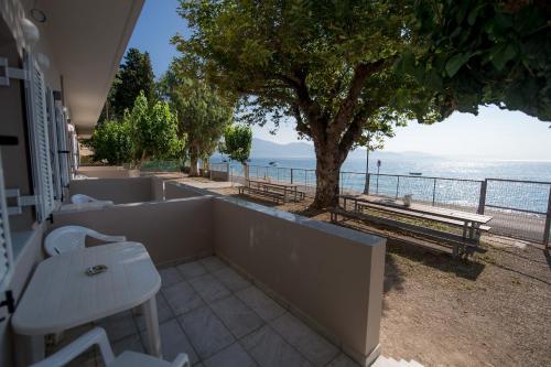 . Nikolatos Apartments