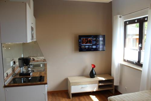 Apartament cu duş (Apartment with Shower)