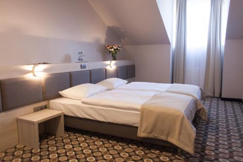 . Hotel Restauracja Piwnica Rycerska