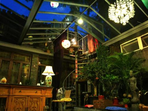 Kelly's Courtyard Hotel photo 8