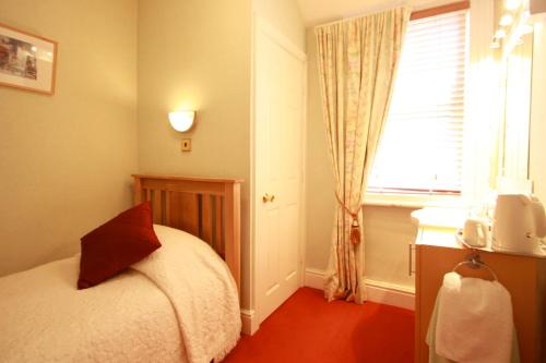 Brentwood Guest House picture 1 of 34