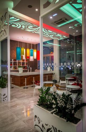 . Nicholas Color Hotel