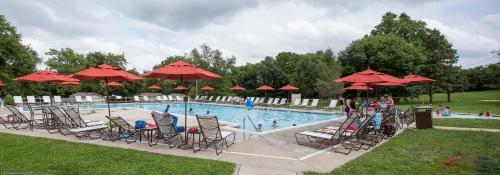 Circle M Camping Resort Screened Park Model 25 - Lancaster, PA 17603