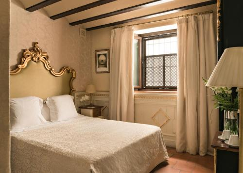 Habitación Individual Básica Hotel Casa 1800 Granada 27