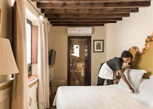 Habitación Individual Básica Hotel Casa 1800 Granada 15