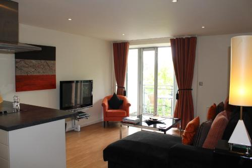 Chelmsford Serviced Apartments - Photo 3 of 53