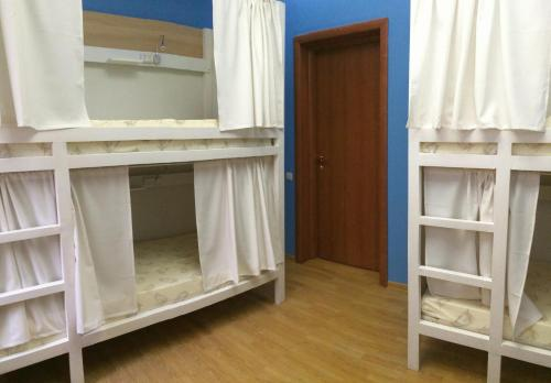 Хостел ПЛЕД на Самотёчной Кровать в общем 6-местном номере для женщин