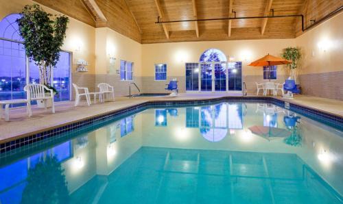 Grandstay Hotel & Suites Stillwater - Stillwater, MN 55082