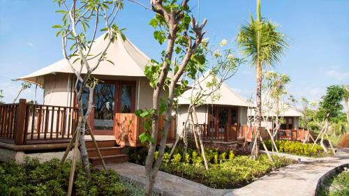 Tenda Mewah Pantai (2 Dewasa + 1 Anak) (Beach Luxury Tent (2 Adults + 1 Child))