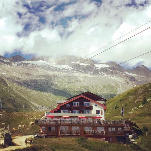 . Hamilton Lodge & Spa
