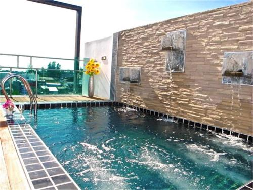 Kamala Regent 3-Bedroom Apartment with Rooftop Pool Kamala Regent 3-Bedroom Apartment with Rooftop Pool