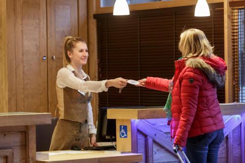 CGH Résidences & Spas Chalet Les Marmottons - Hotel - La Rosière