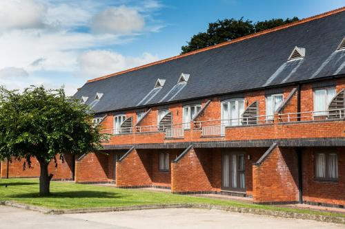 Walton Hall, Walton, Warwick, CV35 9HU, England.
