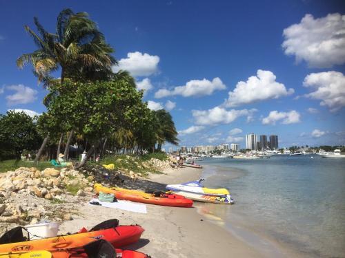 Casa Blanca - West Palm Beach, FL 33401