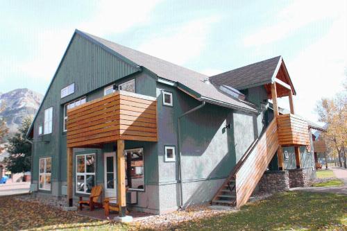 Waterton Lakes Lodge Resort - Waterton Park, AB T0K 2M0