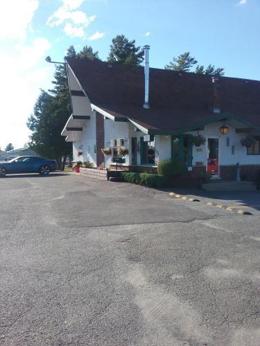 . Motel les Pins