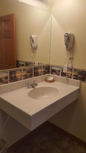 Фото отеля Longliner Lodge and Suites