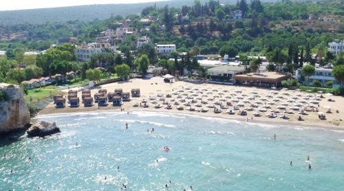 Ayas Mavibeyaz Hotel & Beach Club directions