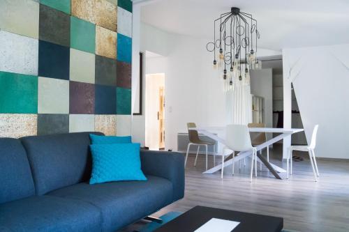 les toits de chartres location saisonni re 24 rue georges fessard 28000 chartres adresse. Black Bedroom Furniture Sets. Home Design Ideas