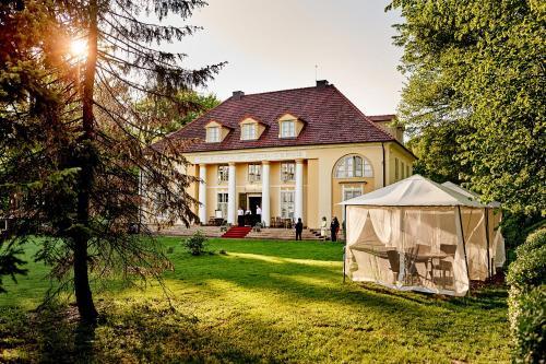 . Pałac Bażantarnia