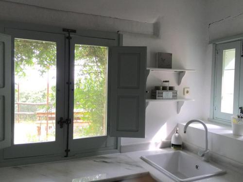 Casa de 2 dormitorios El Vergel de Chilla tiene 3 alojamientos Abejas 1 Abejas 2 y Libélula 4