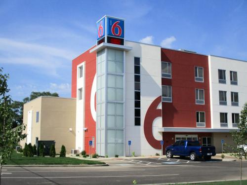 Motel 6 South Bend - Mishawaka - South Bend, IN 46637