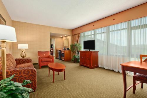 Embassy Suites Hotel Hot Springs Ar - Hot Springs, AR 71901