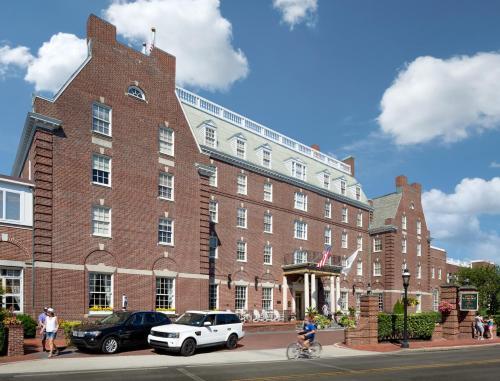 1 Bellevue Avenue, Newport, RI 02840, United States.