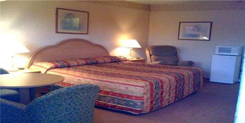 . Relax Inn Lewisburg