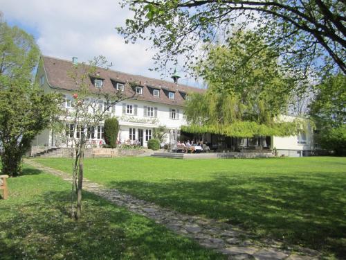 . Hotel Landgut Burg GmbH