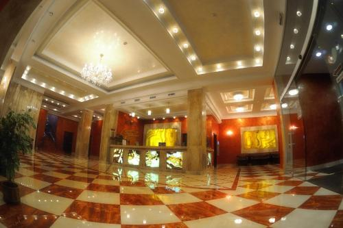 . Hotel Mir