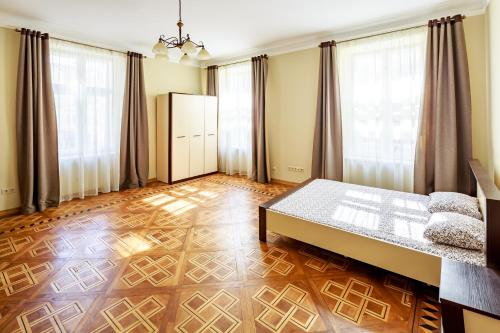 Hotel Apartment near the Rynok Square
