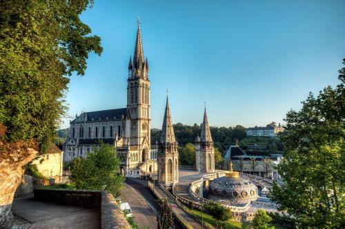 1 a chemin du Lannedaré, 65100 Lourdes, France.