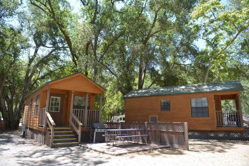 Morgan Hill Camping Resort Cabin 1