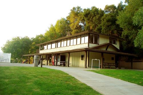 Morgan Hill Camping Resort Cabin 1 - Morgan Hill, CA 95037
